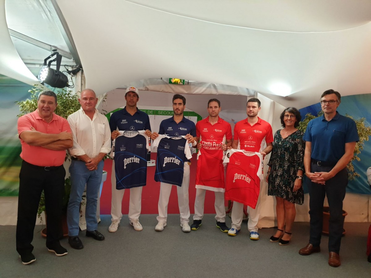 Remise des maillots @Roustand
